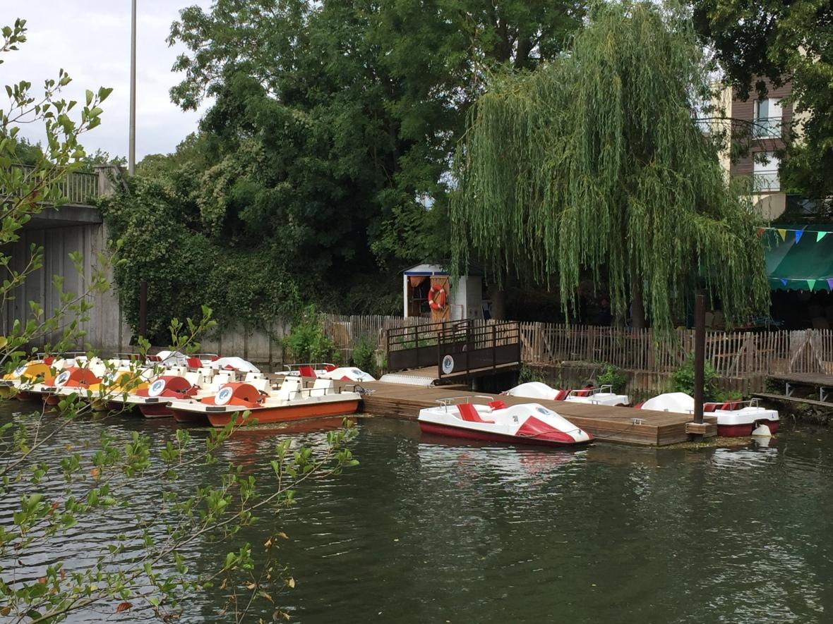 pedal boat petite venise myweekendinchartres