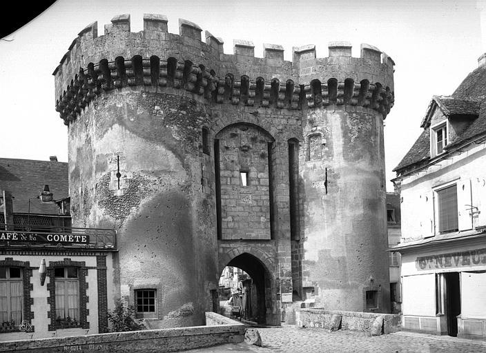 Porte_Guillaume_Jean-Eugène_Durand_sans_date_Chartres_Eure-et-Loir_(France)